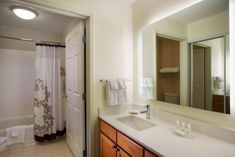 Novi Suite Bathroom