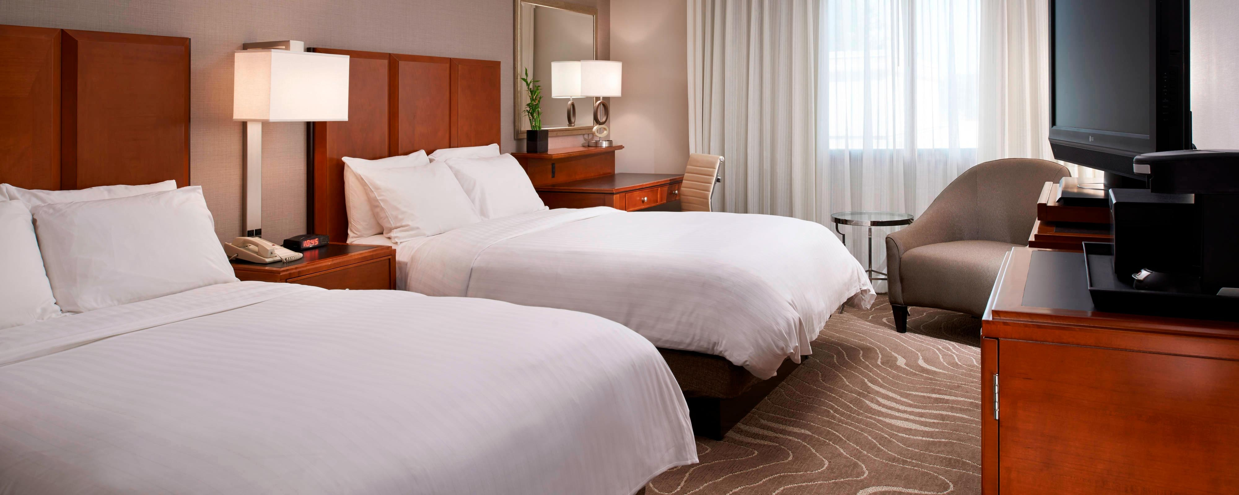 Double Guest Room at the Detroit Metro Airport Marriott