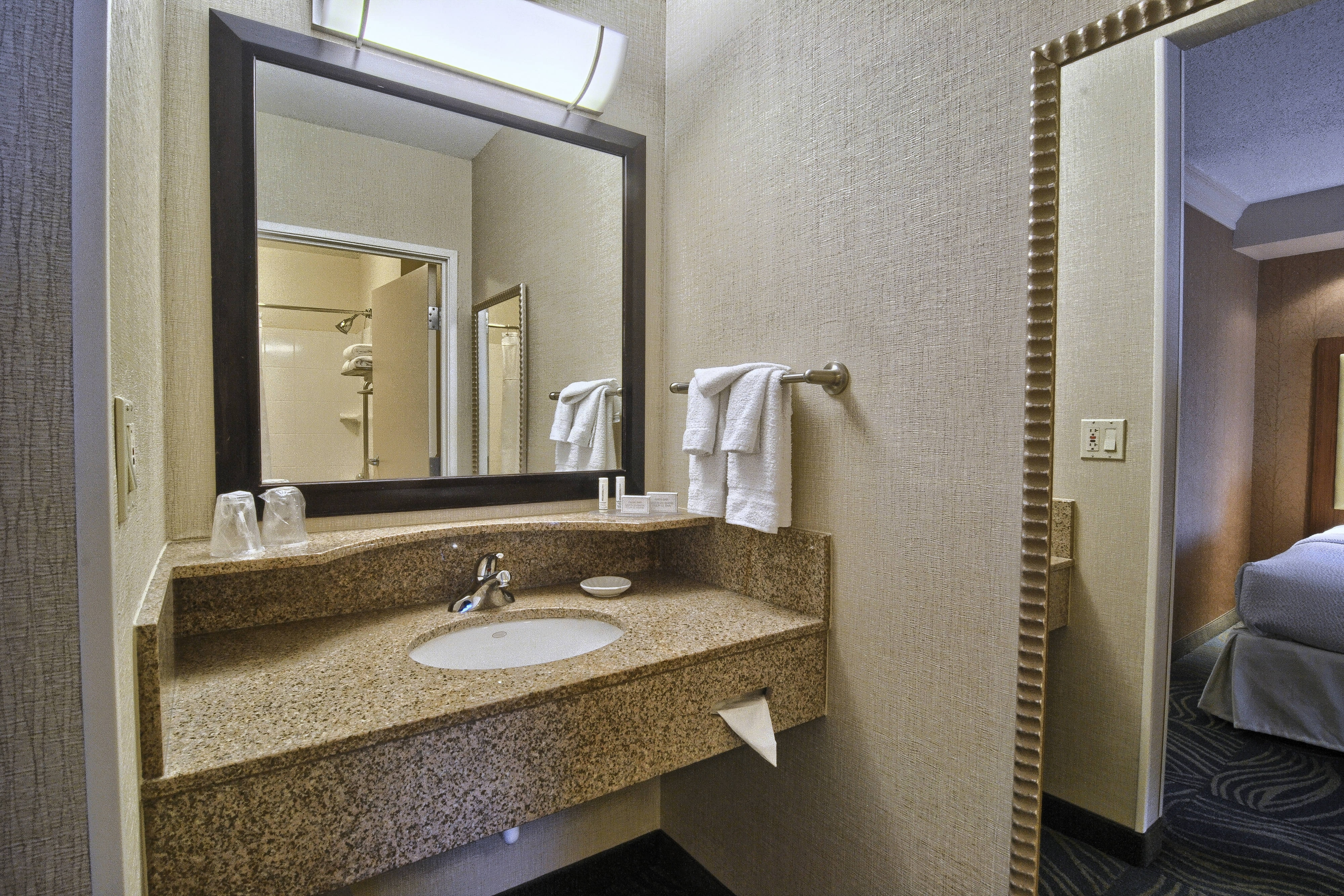 Springhill Suites-Suite Bathroom