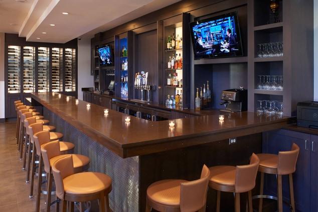 Detroit Marriott Southfield Fire Iron Grill & Bar