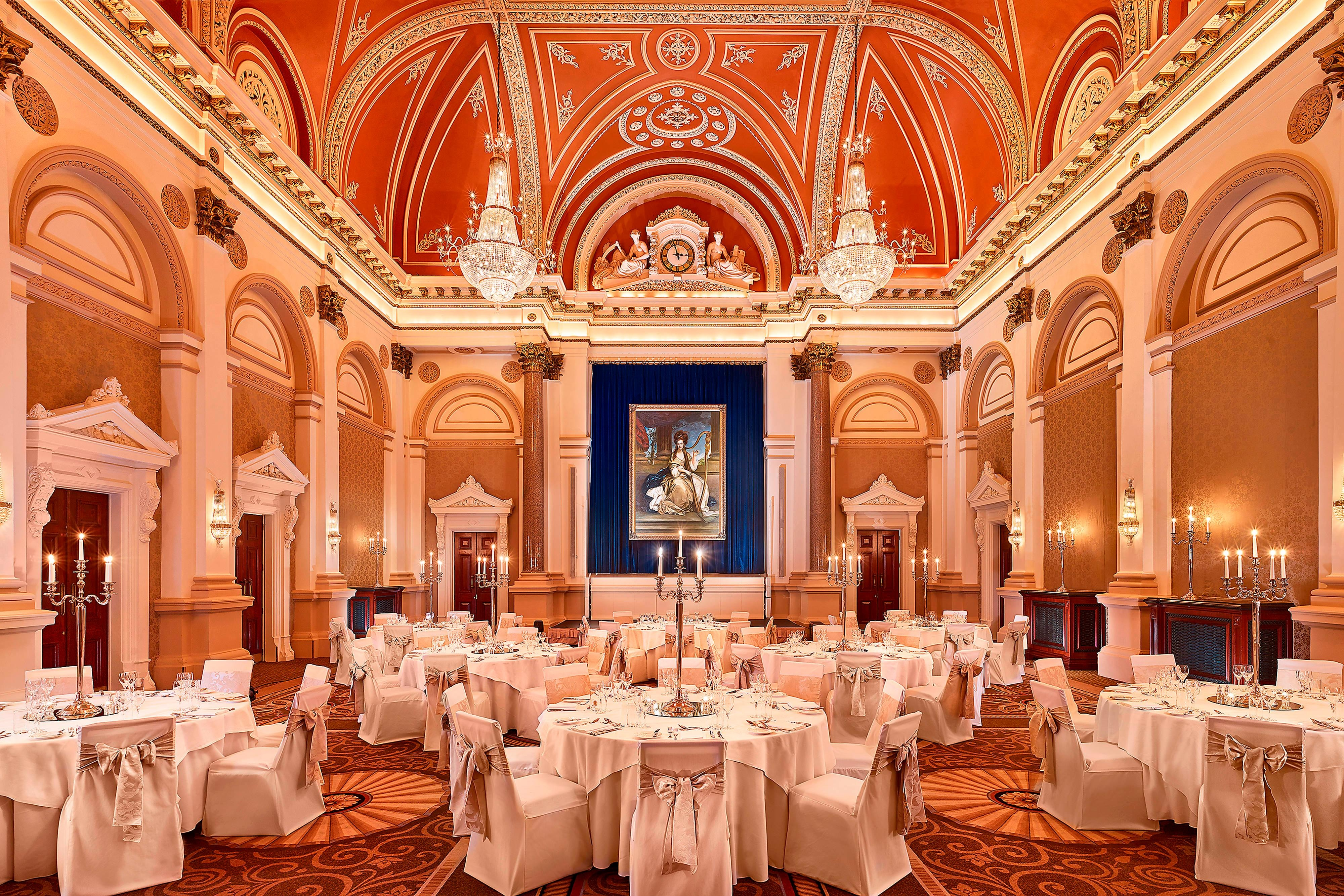 Salle The Banking Hall en configuration banquet