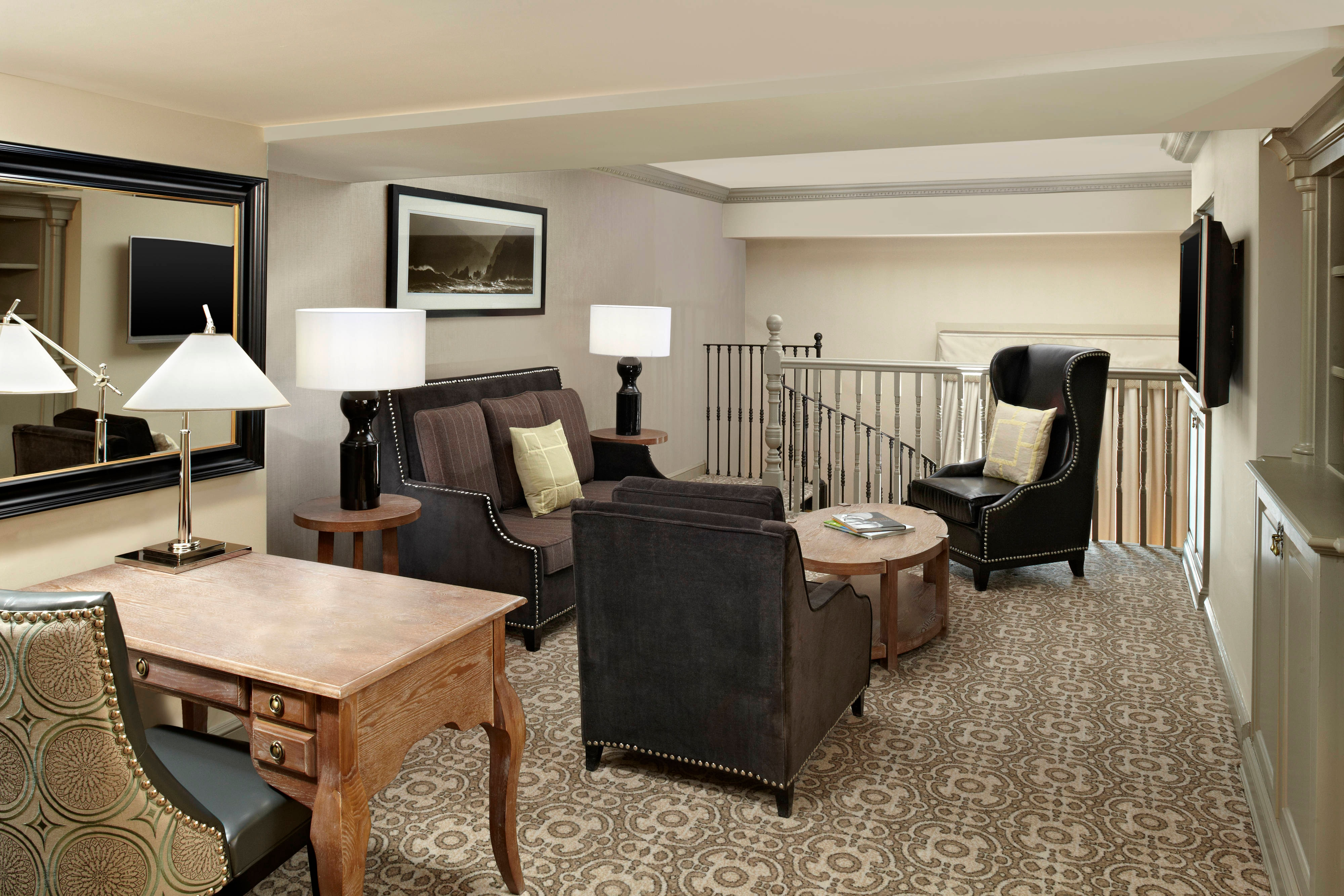 Library Suite - Lounge