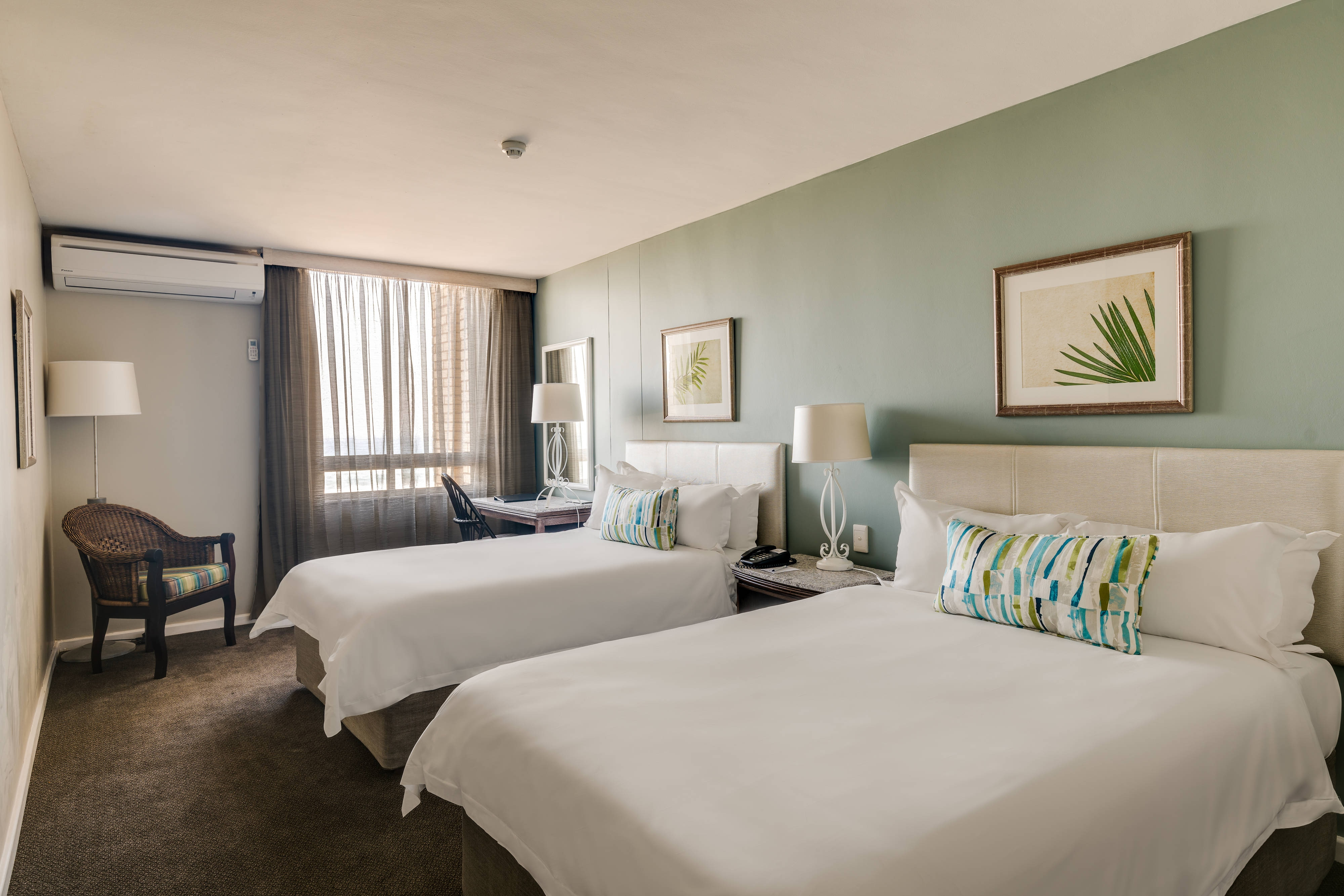 Deluxe Double/Double Guest Room