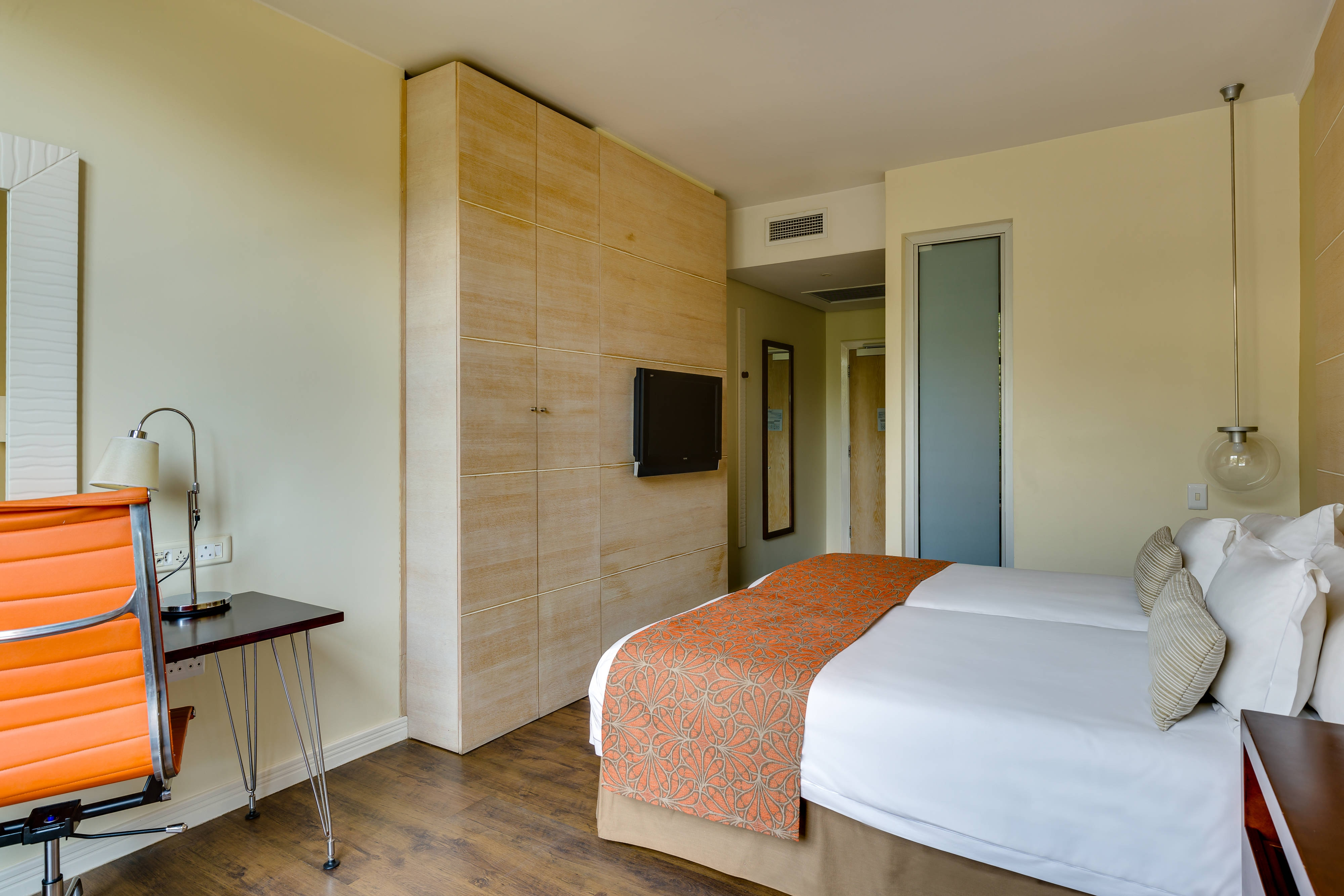 Standard King guest room accommodation