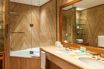 Apartment Suite - Bathroom