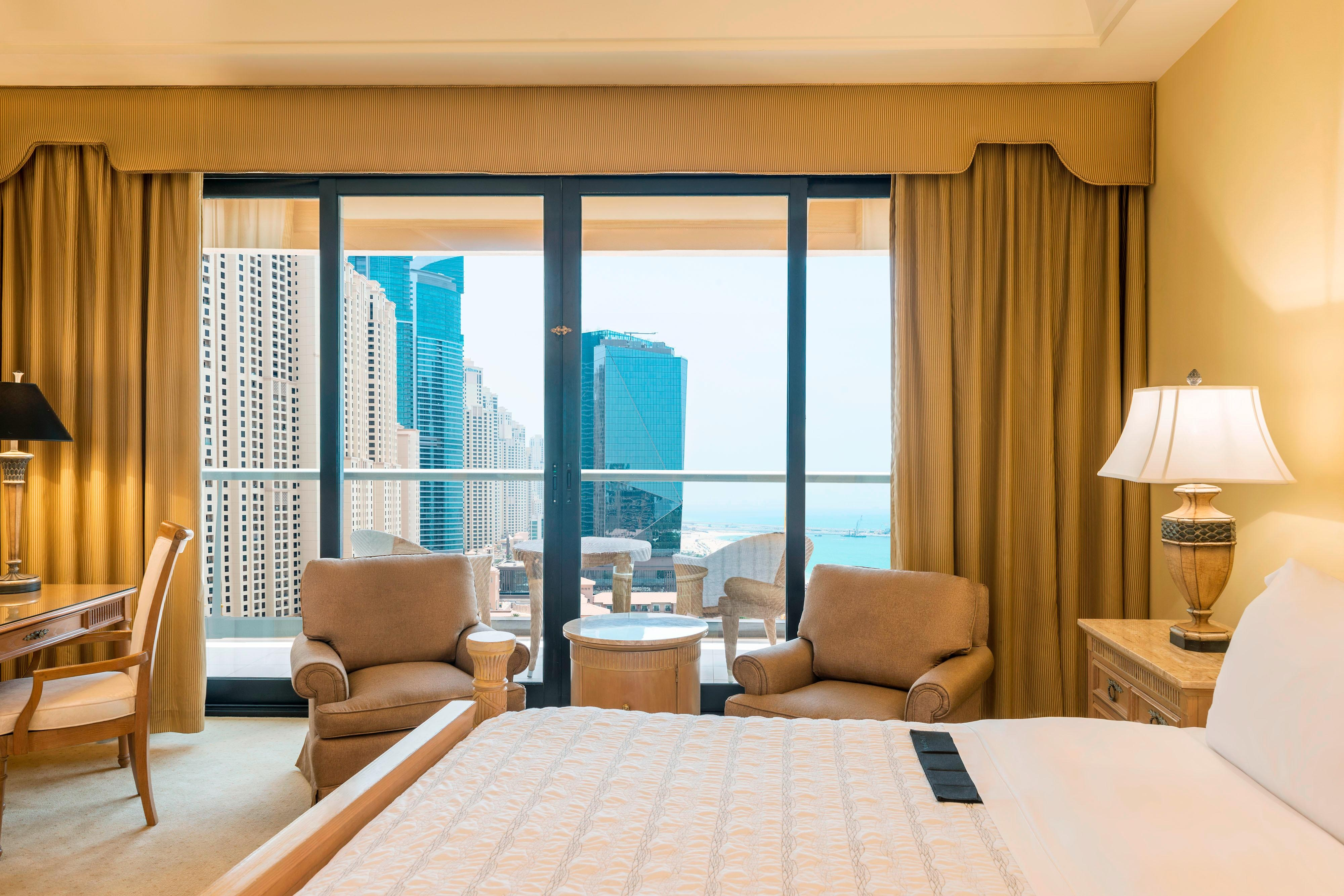 King Royal Club JBR View Guest Room