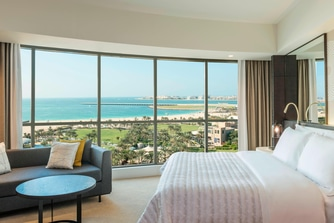 Deluxe Suite - Bedroom - Sea View