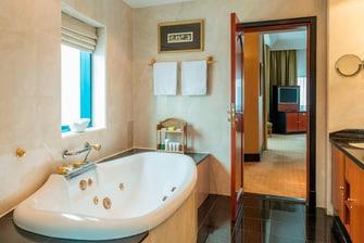 جناح يحتوي على غرفتي نوم - حمام