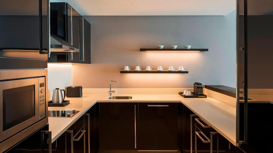 Кухня в апартаментах с 1 спальней