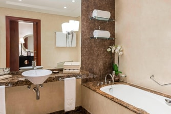 Premier room Bathroom