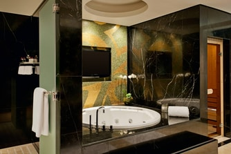 Royal Suite-Bathroom