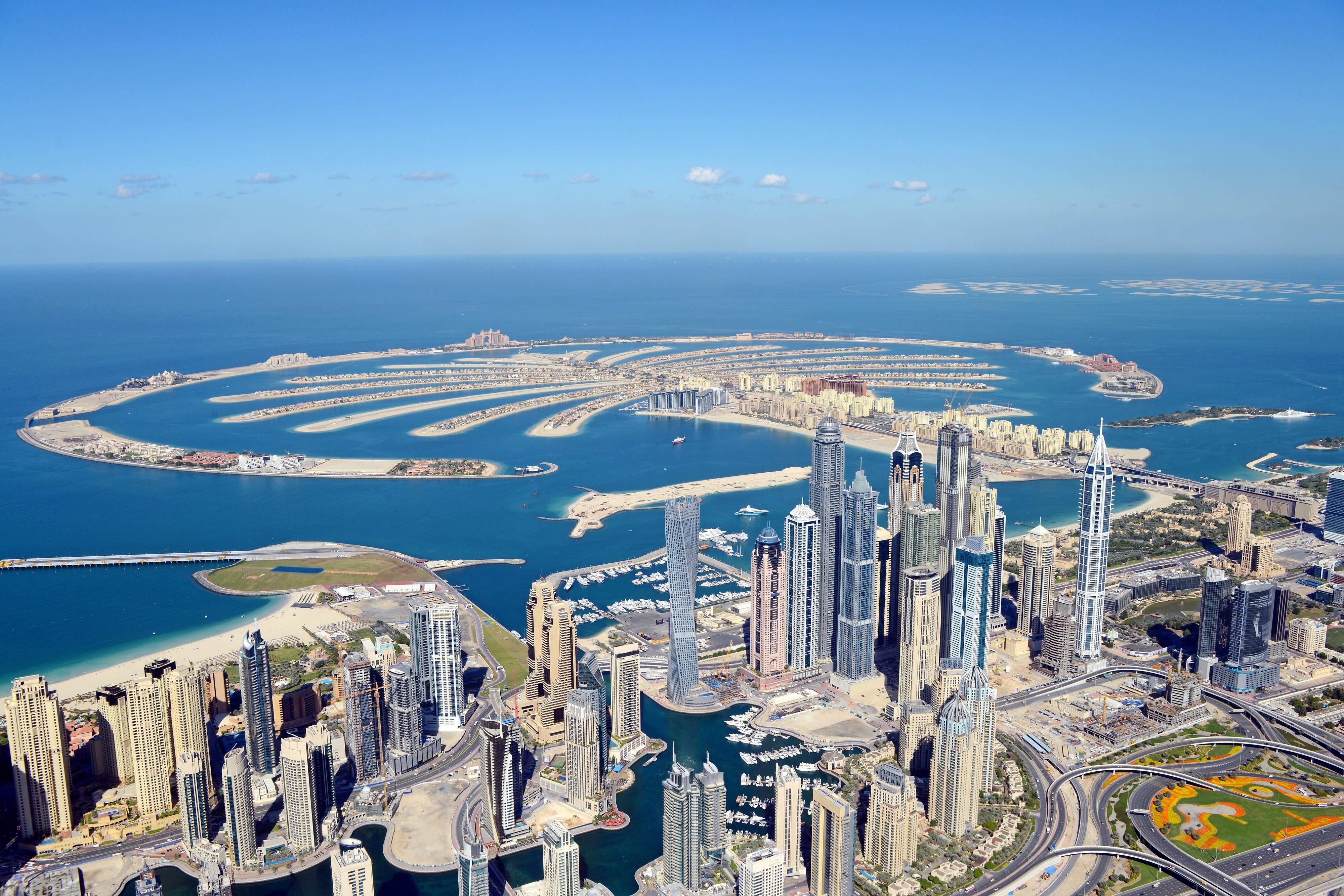 Dubai hotel aerial view