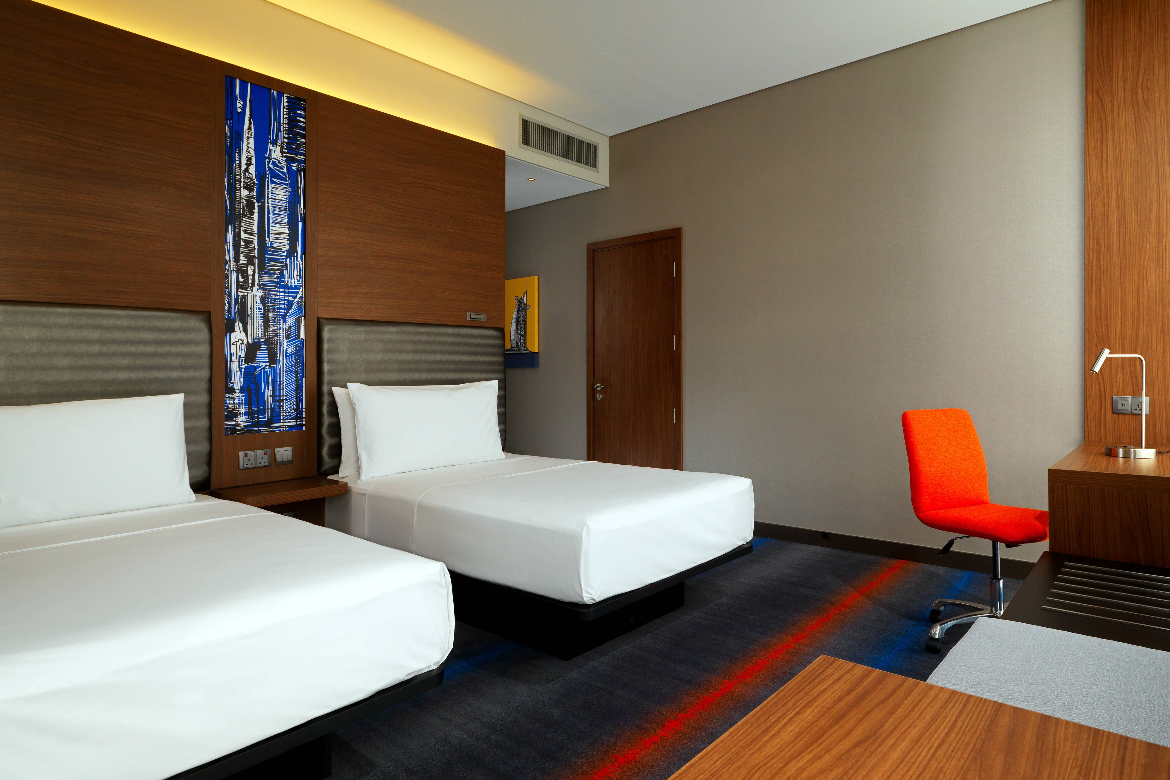 Twin Aloft Room