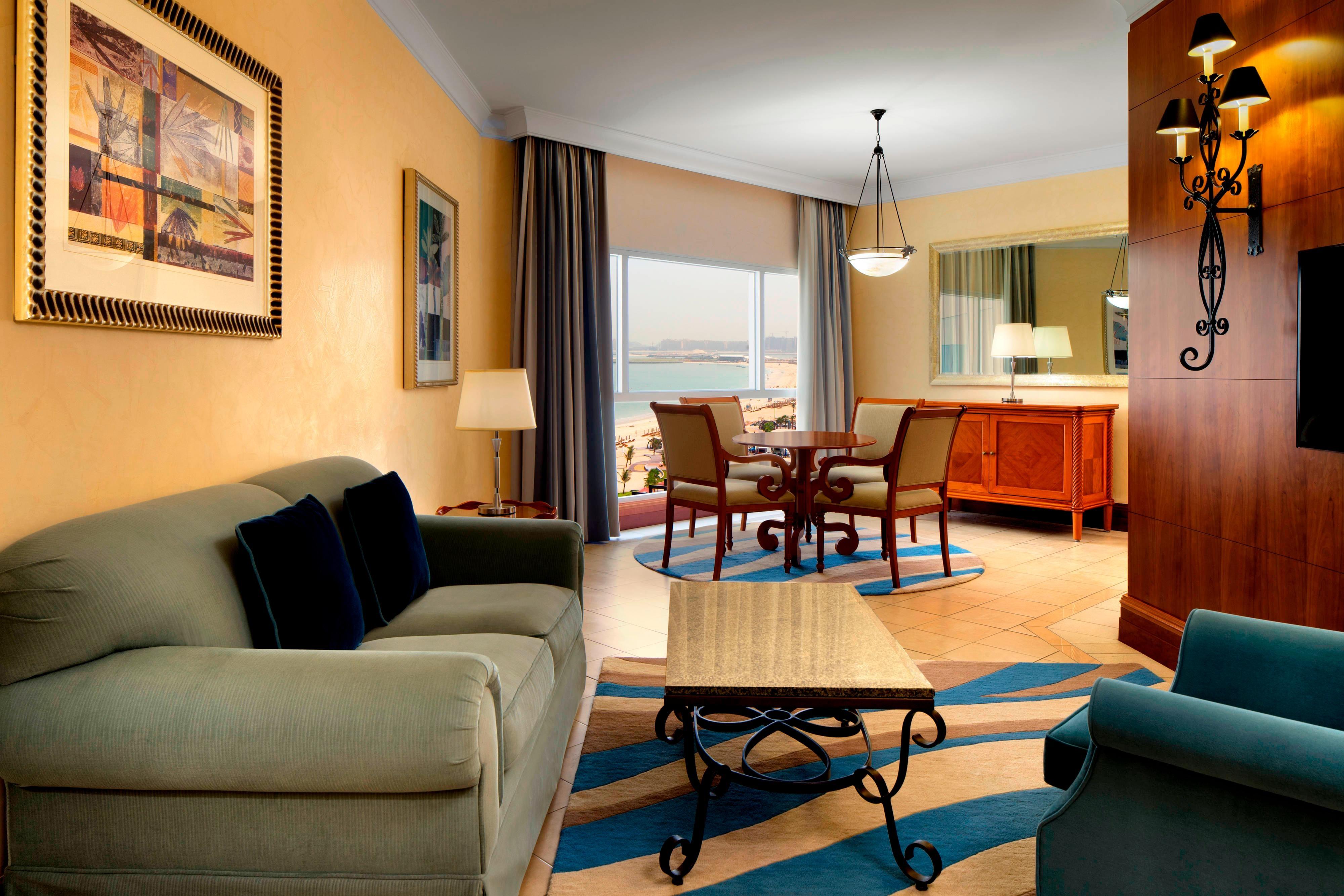 Junior Suite Sea View Living Room