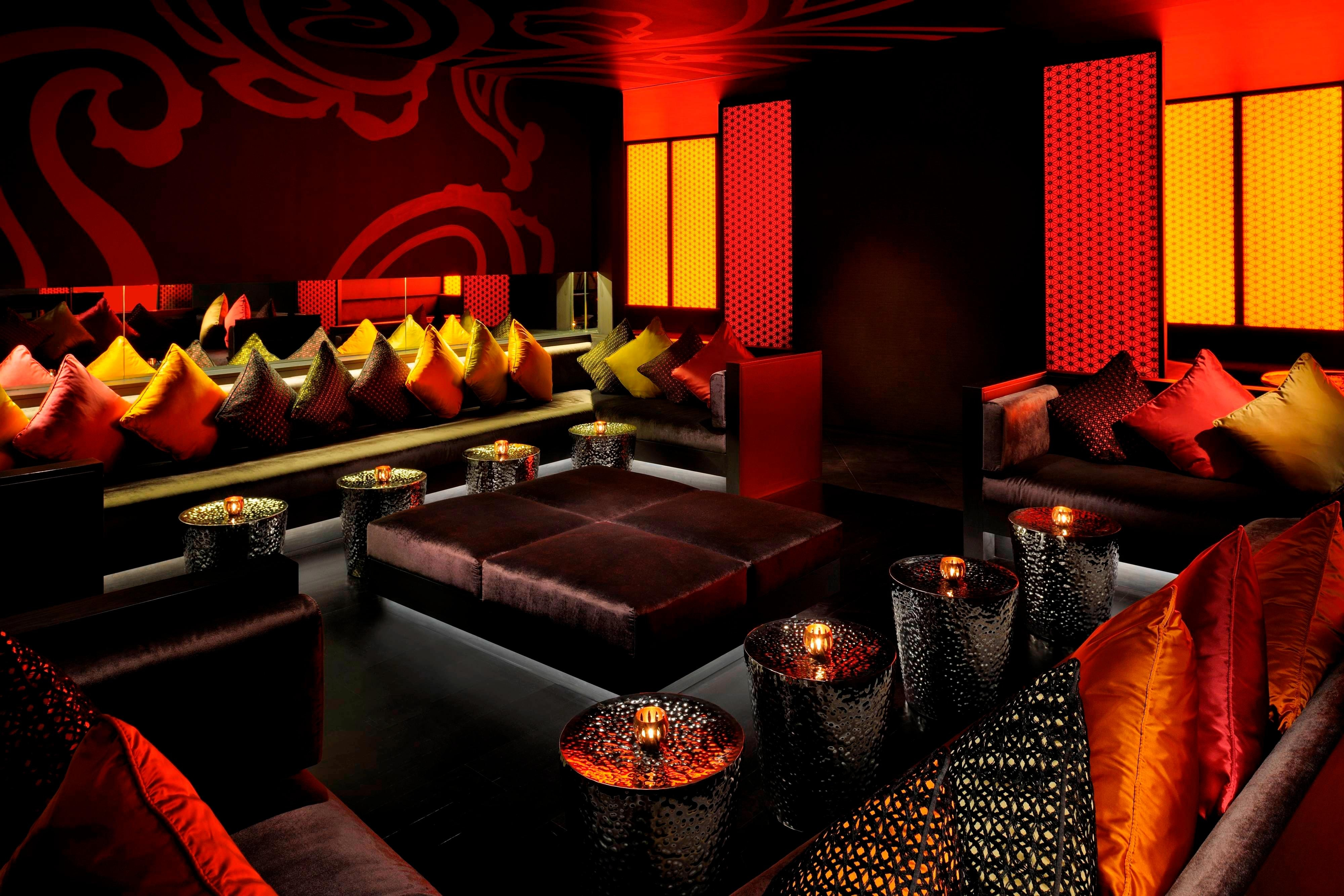 Dubai Indian dining bar seating