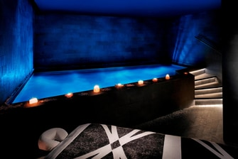 Dubai Spa Totes Meer Pool