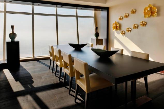 Dubai penthouse dining room