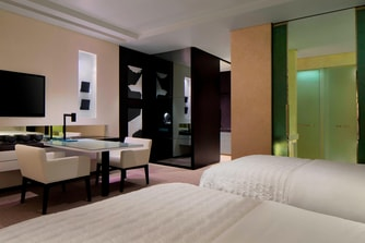 Le Royal Club Twin Bedroom