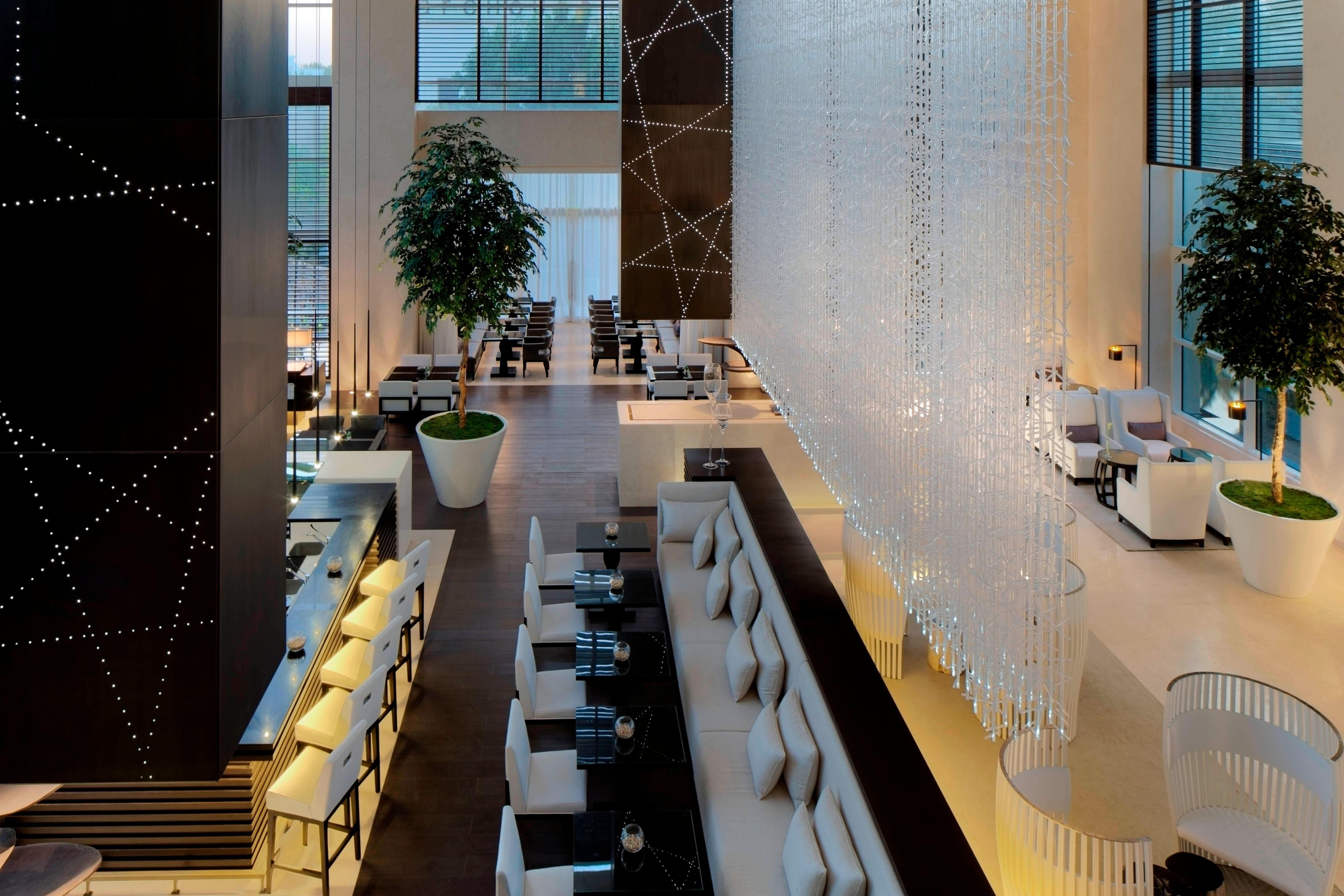 Le Royal Club Lounge