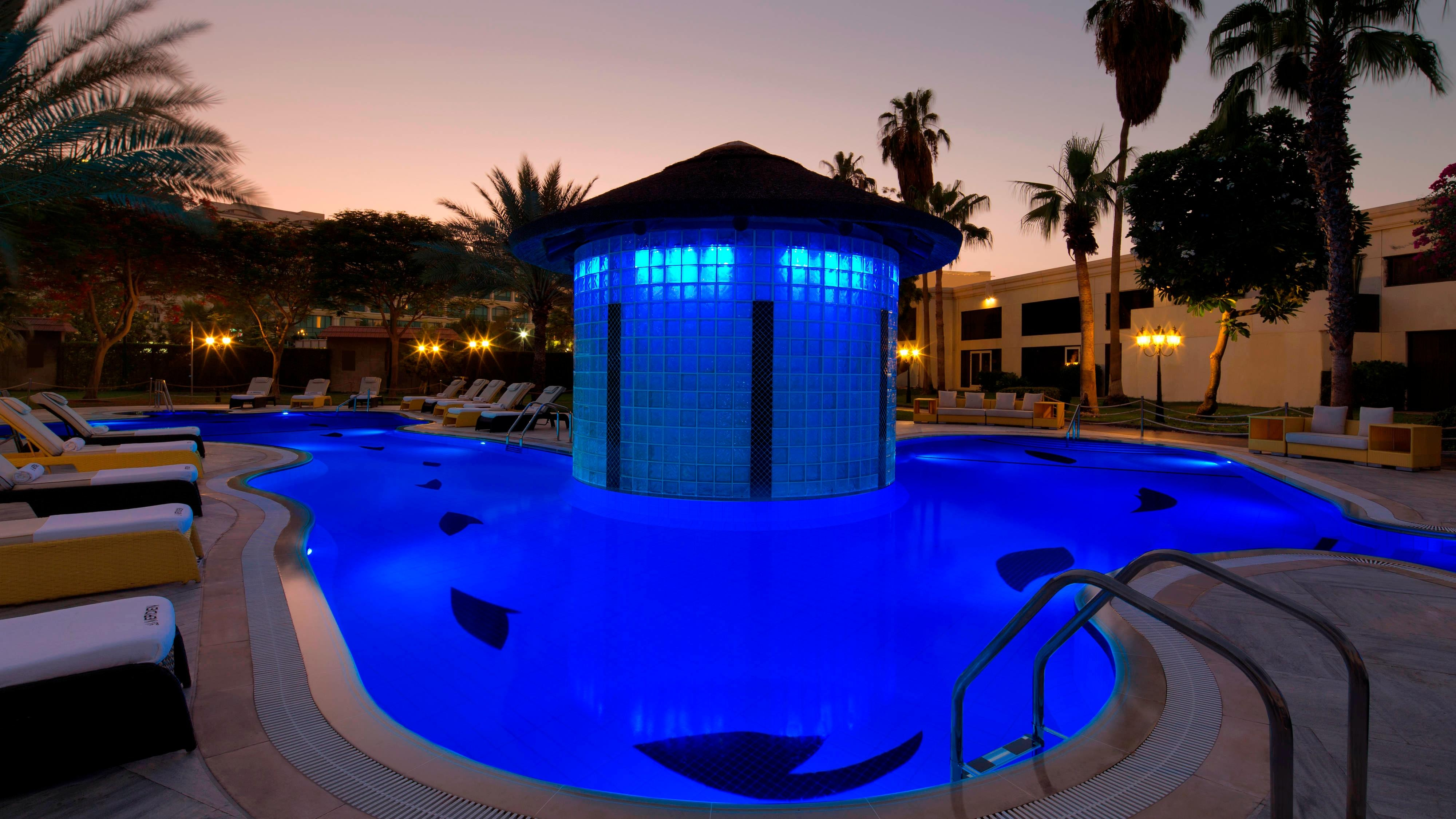 Le Meridien Club Pool