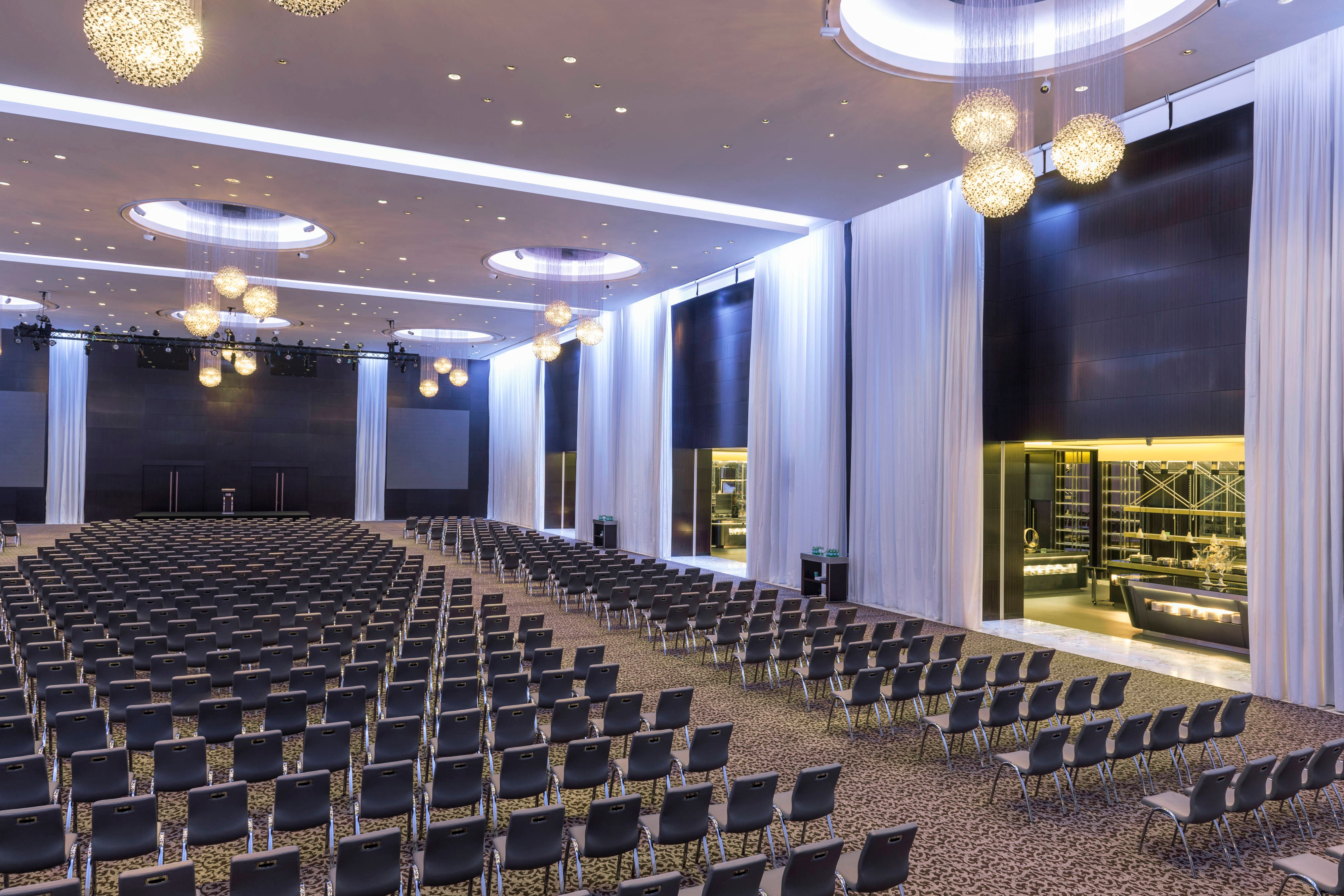 Great Ballroom Theatre-Style Meeting with Live Kitchen