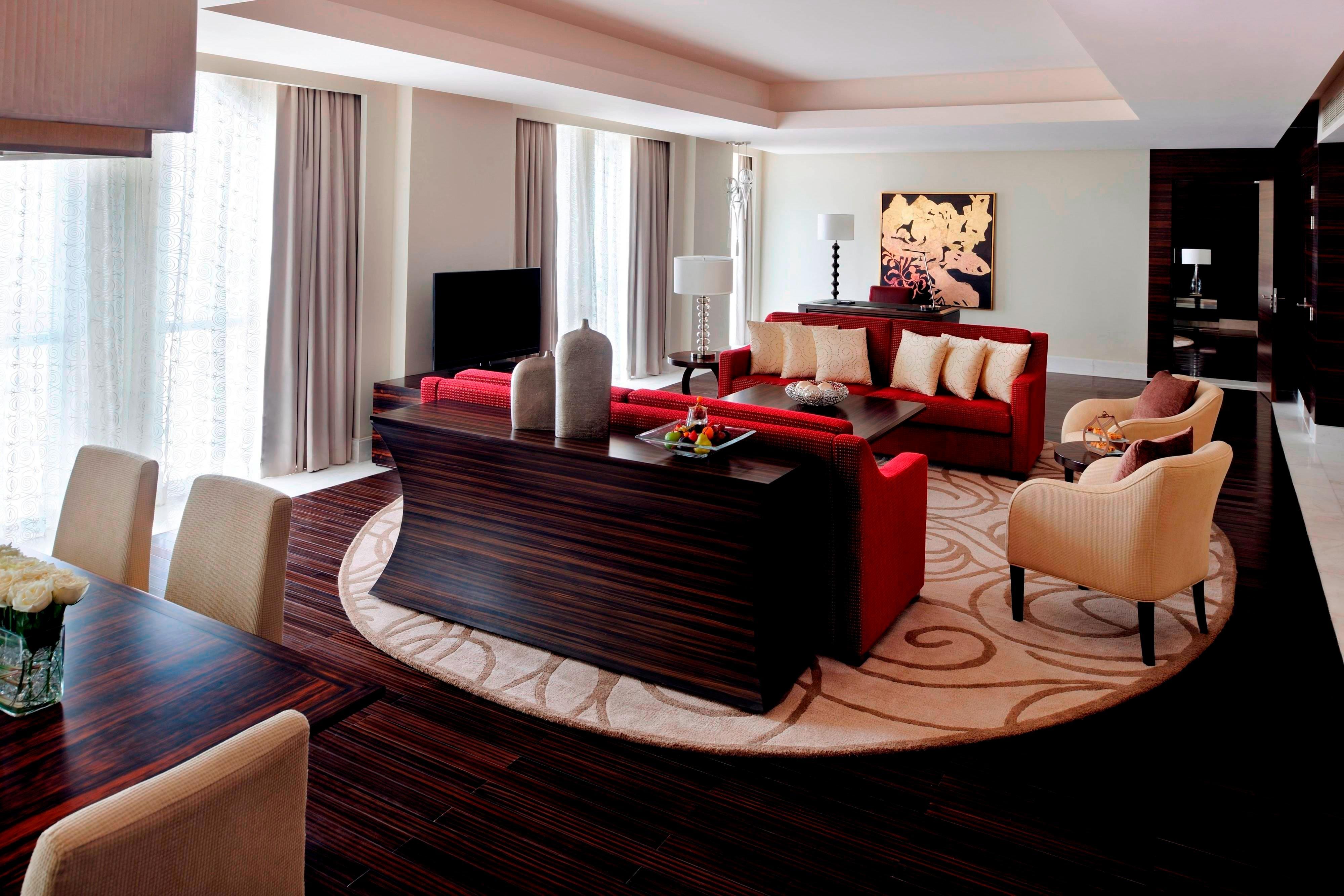 Президентский люкс—гостиная зона