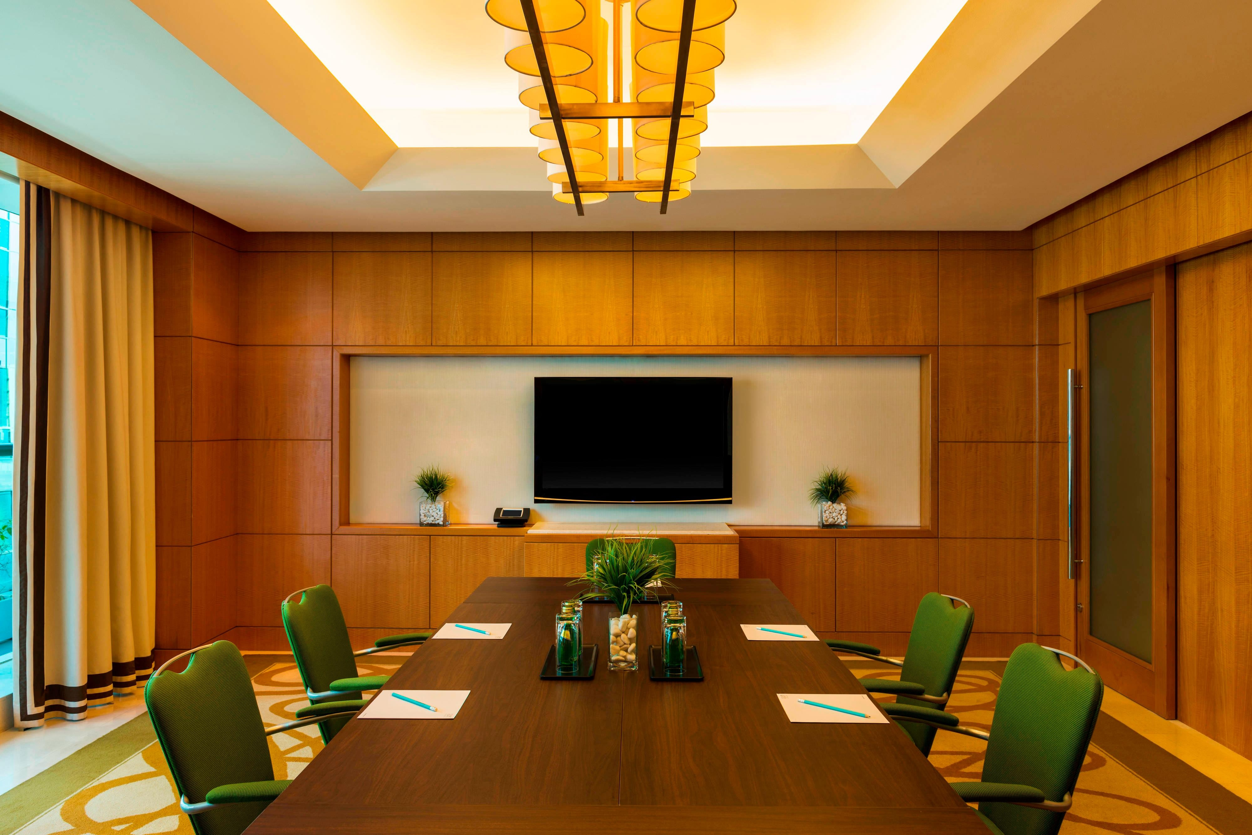 Meeting Point 2 - Boardroom Setup