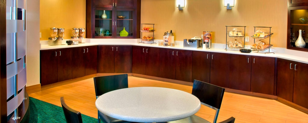 Danbury CT Hotels - Breakfast Area
