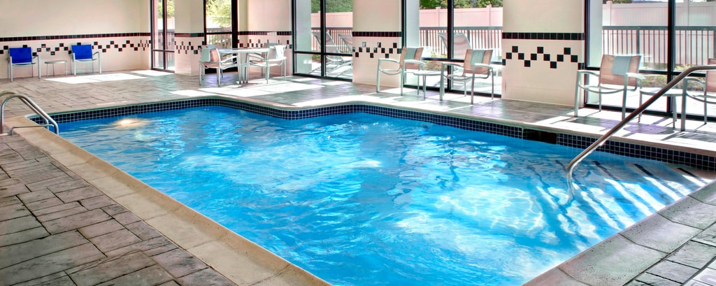 Hotels in Danbury, CT - Innenpool
