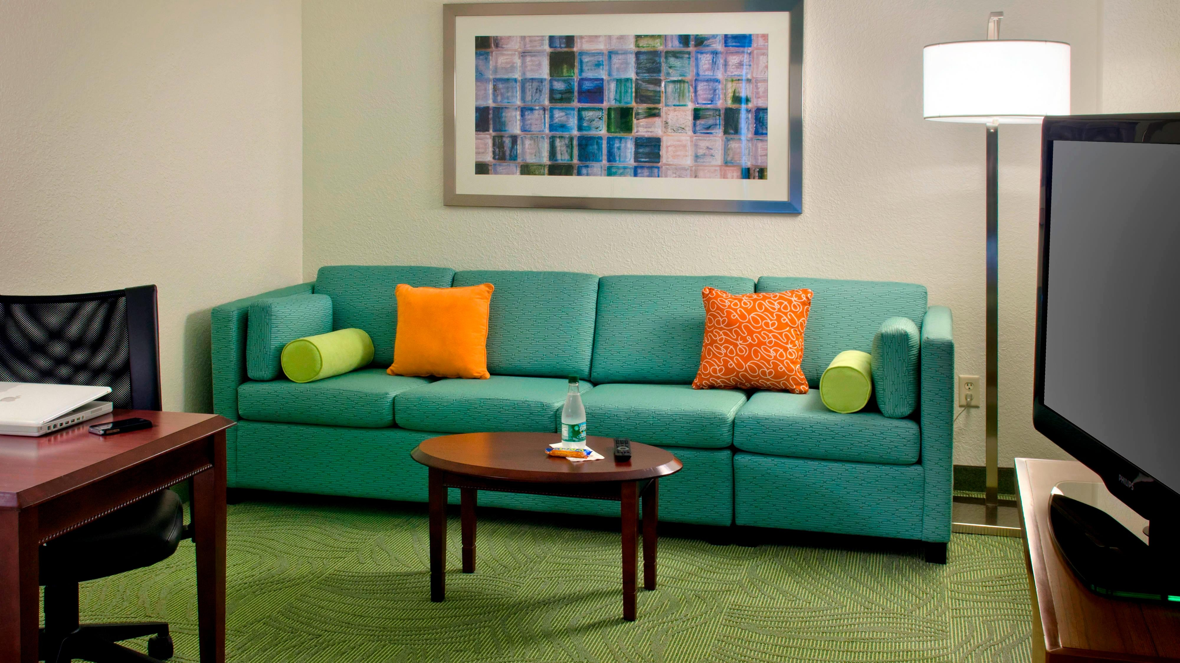 Danbury CT Hotels - Living Area