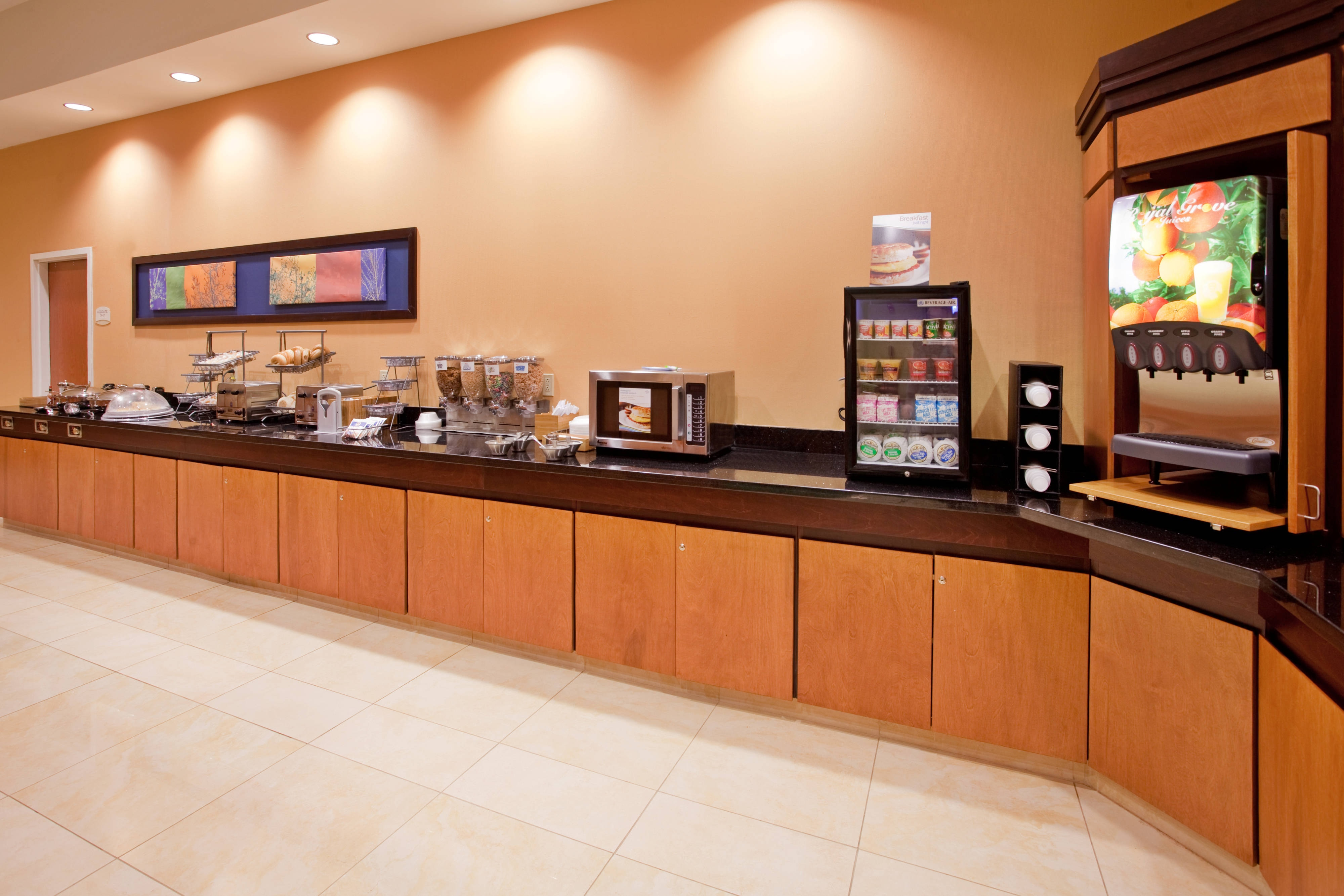 Fairfield Inn & Suites Kearney Complimentary Breakfast Buffet