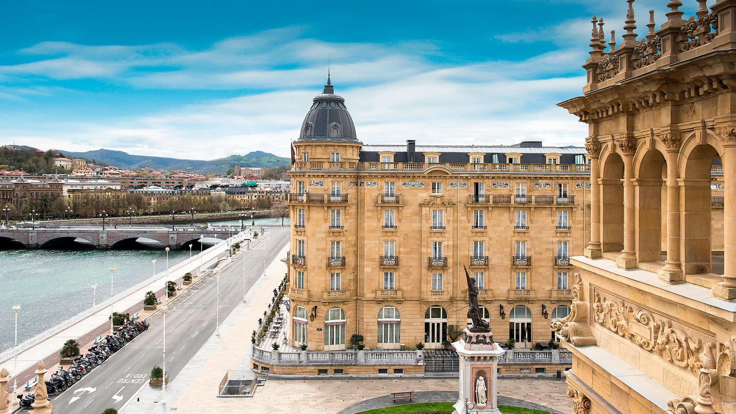 View Photos Scroll For More Hotel History Suite Dreams Divine Dining Unforgettable Unions Culinary Crafting Discover San Sebastian