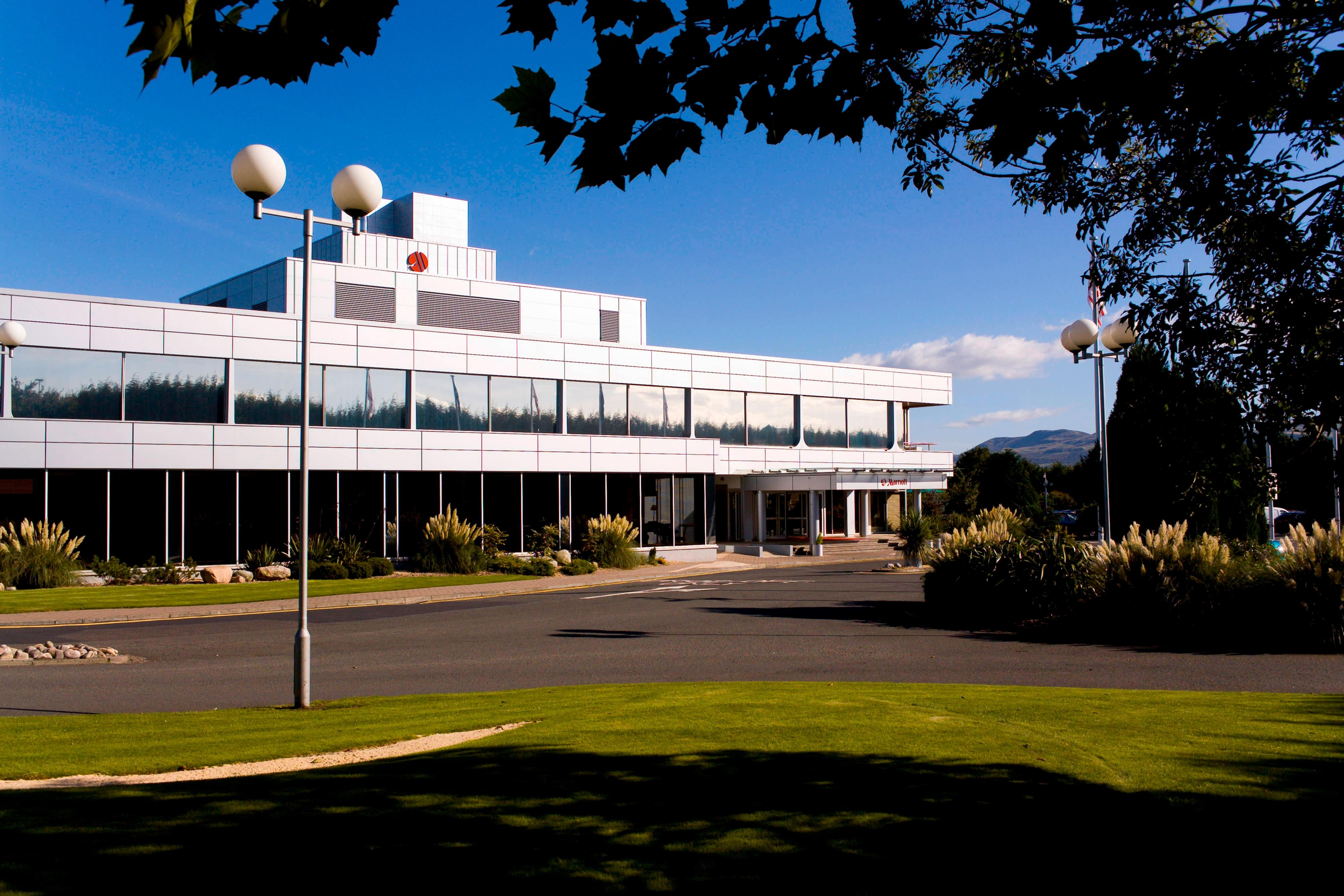 Edinburgh Marriott Hotel Exterior Image