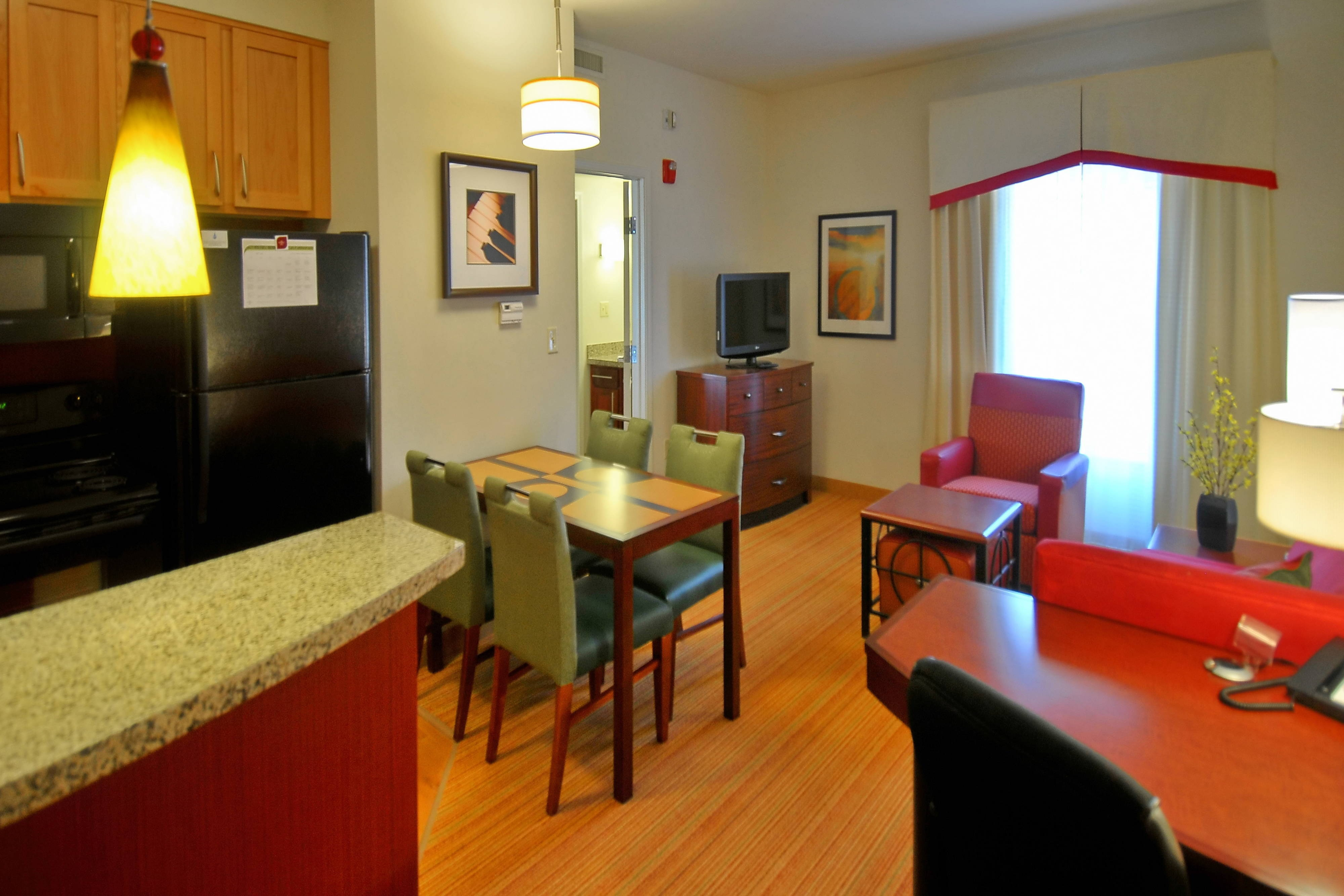Glenwood Springs Co Hotel Guest Rooms Accommodations In Glenwood Springs