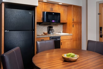 One-Bedroom Kitchenette