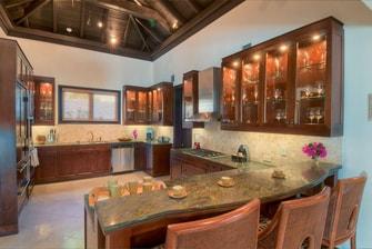 Cocina de la villa privada en el Caribe