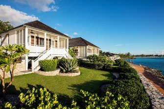 One-Bedroom Premium Oceanfront Villa at French Leave Resort