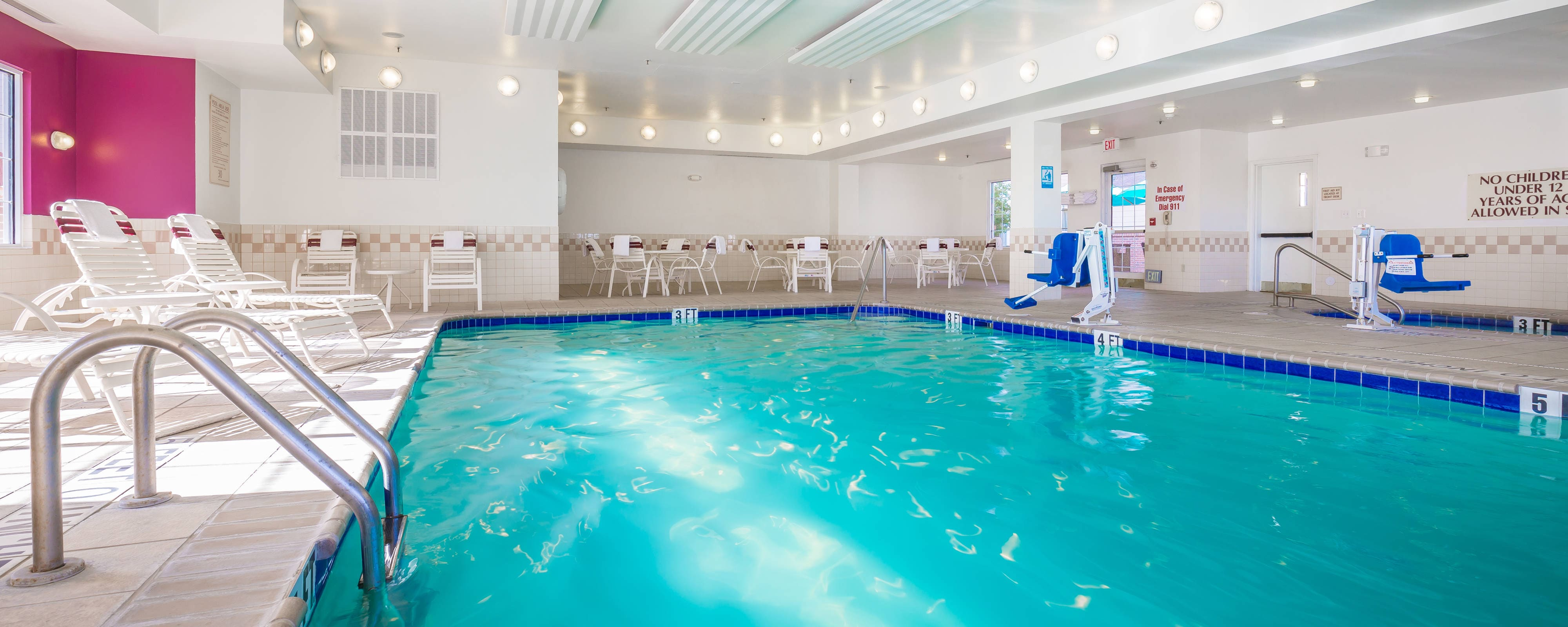 El paso hotel with indoor pool residence inn el paso for Hotels in arlington tx with indoor swimming pool