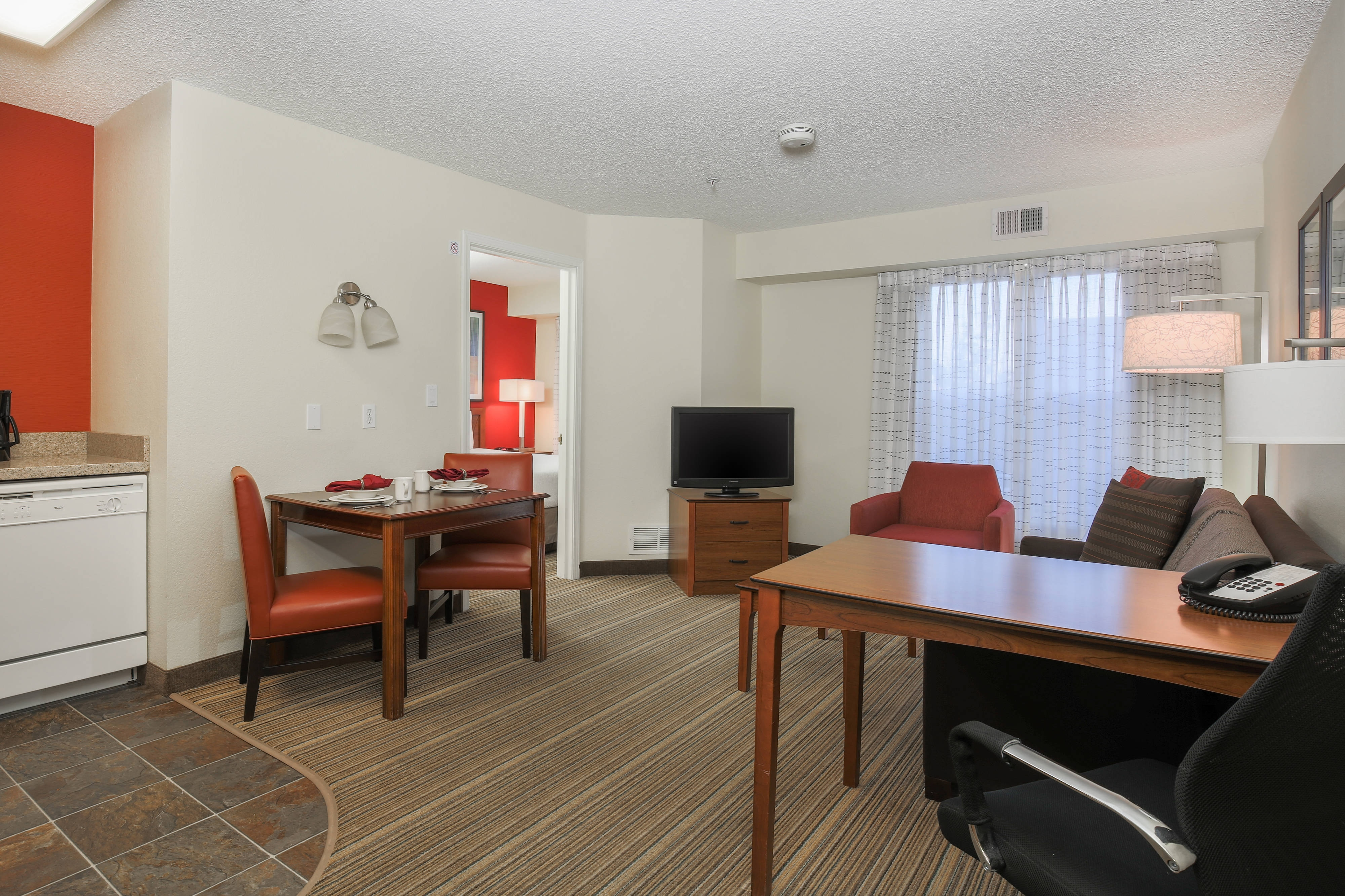 airport orleans in hotels suite hotel clsc hor suites miami inn bedroom new rooms residence miaas