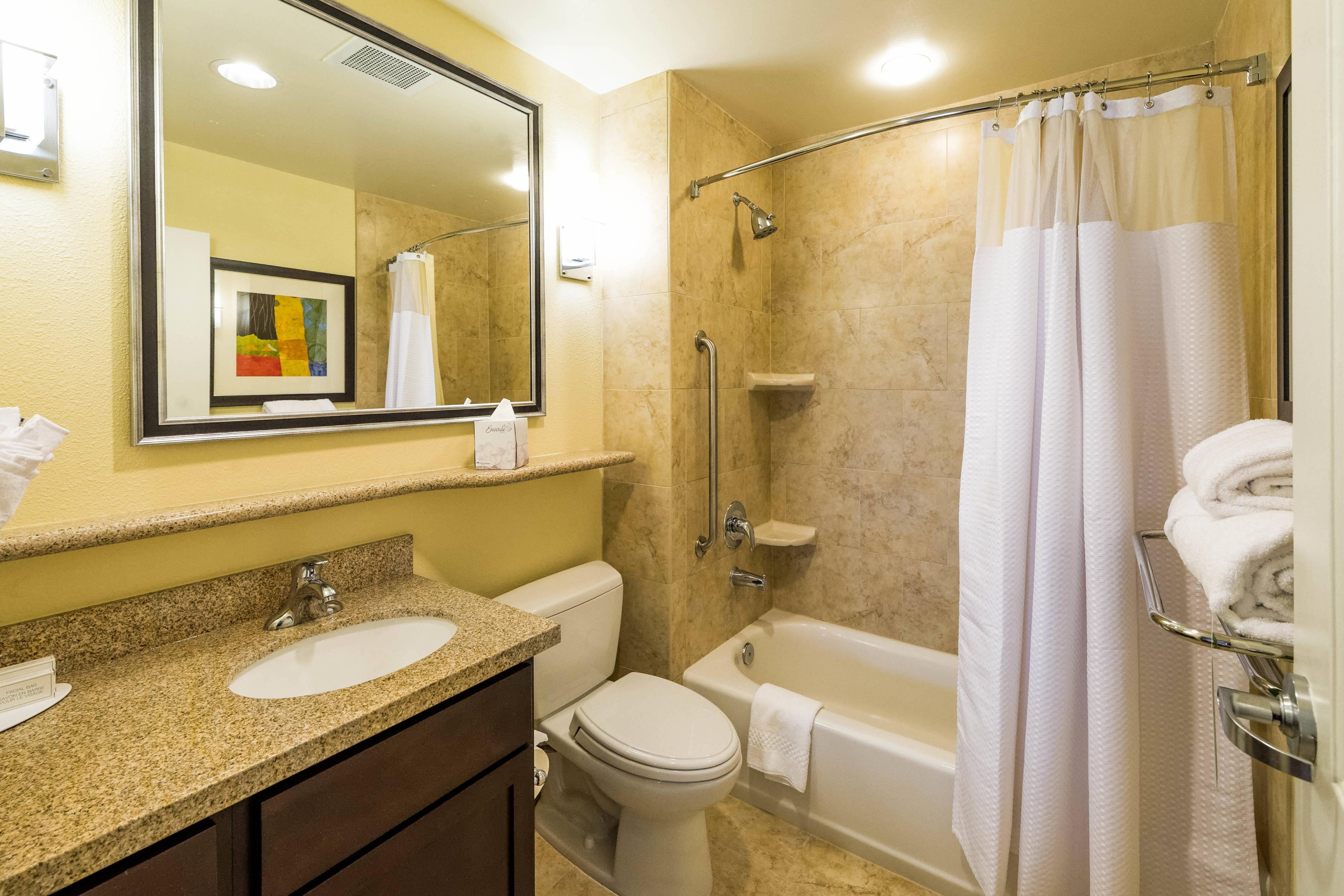 El Paso Hotel Bathroom