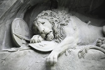 Lion Monument Renaissance Lucerne Hotel