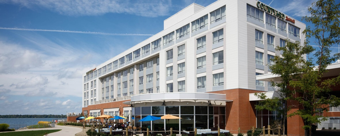 Bayfront Hotels in Erie, PA | Courtyard Erie Bayfront