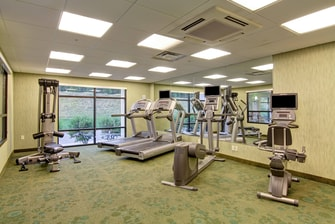 Hotels in Erie with Gym