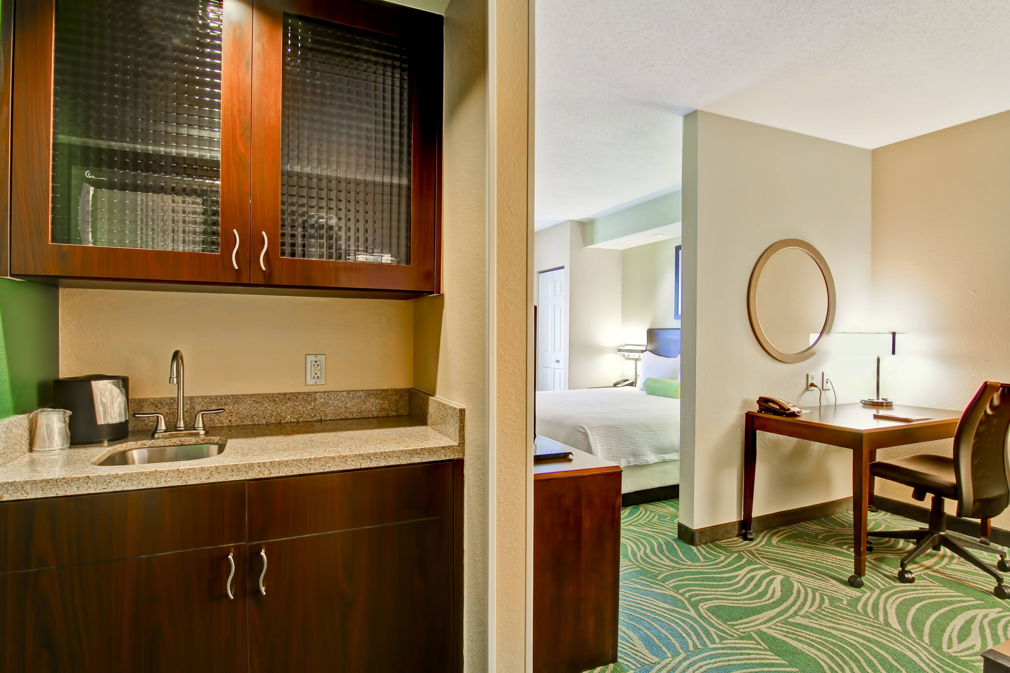 Suite hotels Erie PA