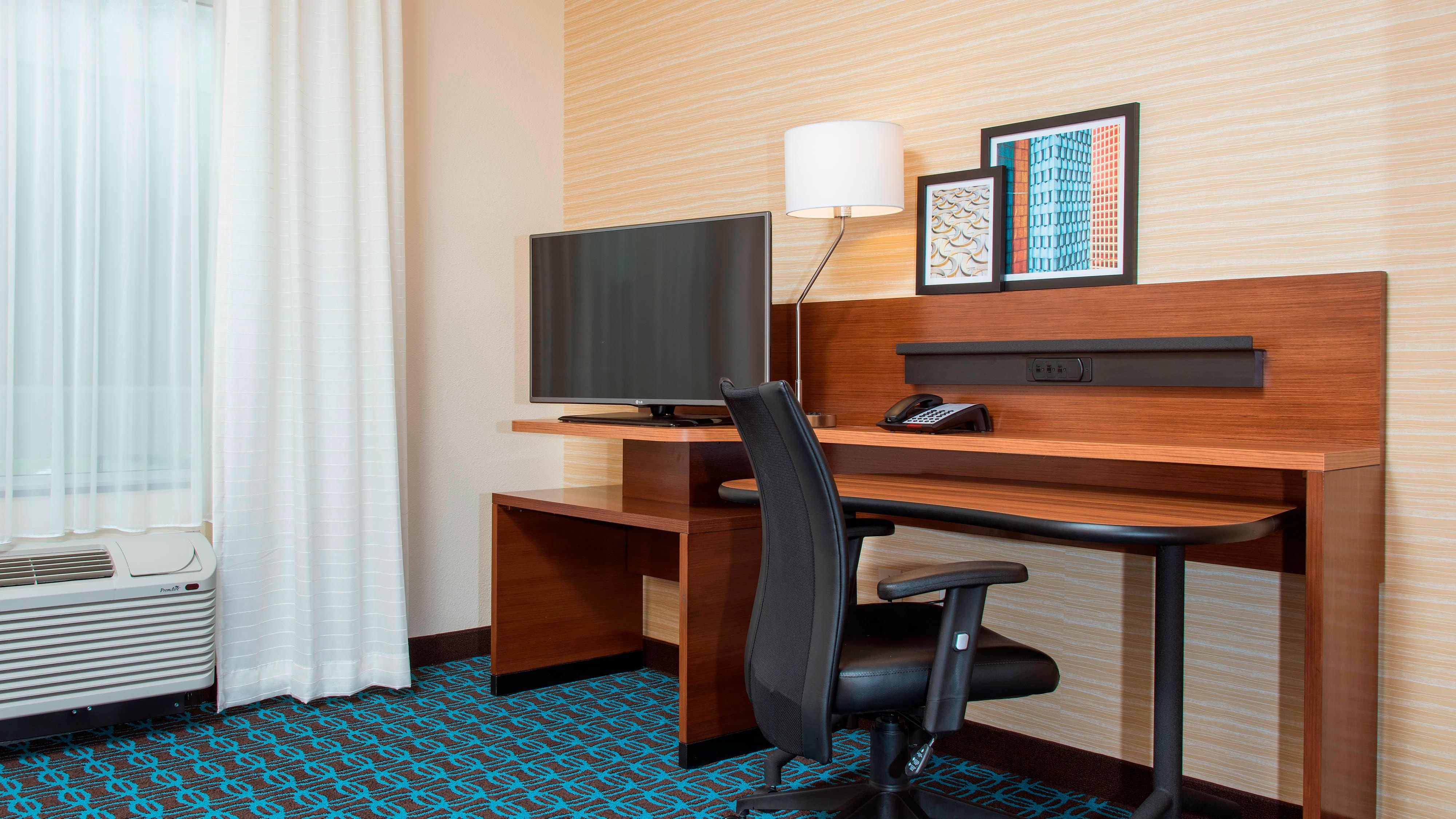 Fairfield Inn & Suites Fredericksburg Work Station