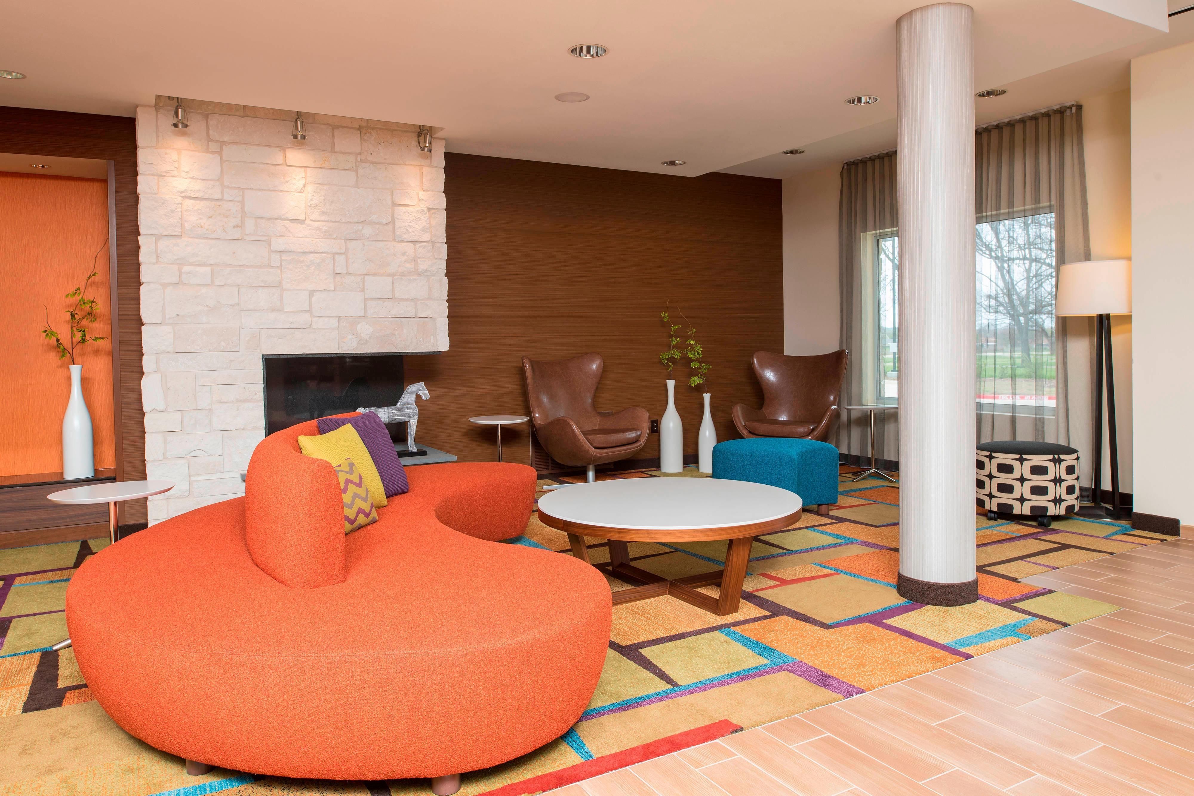 Fairfield Inn & Suites Fredericksburg Lobby