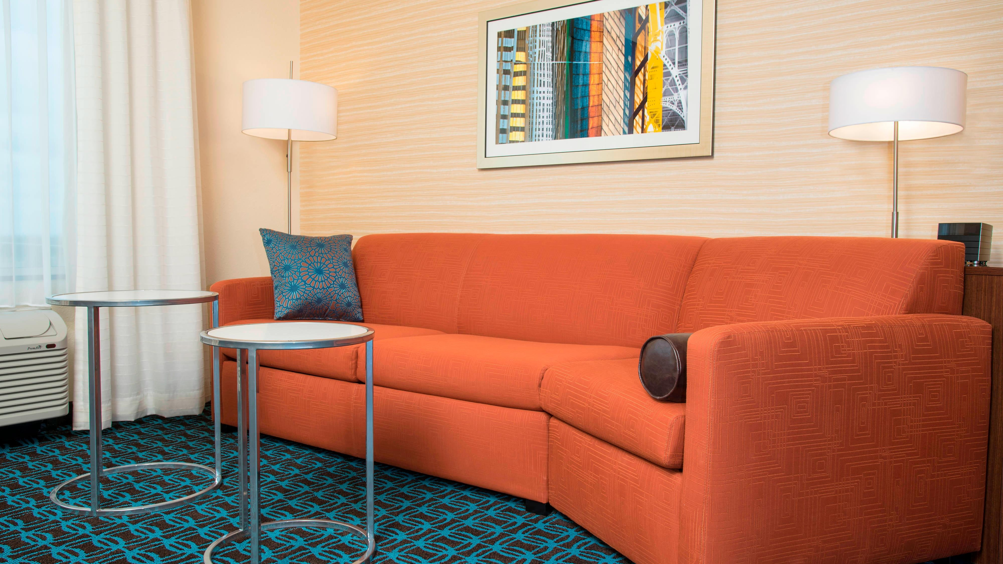 Fairfield Inn & Suites Fredericksburg Suite Seating Area