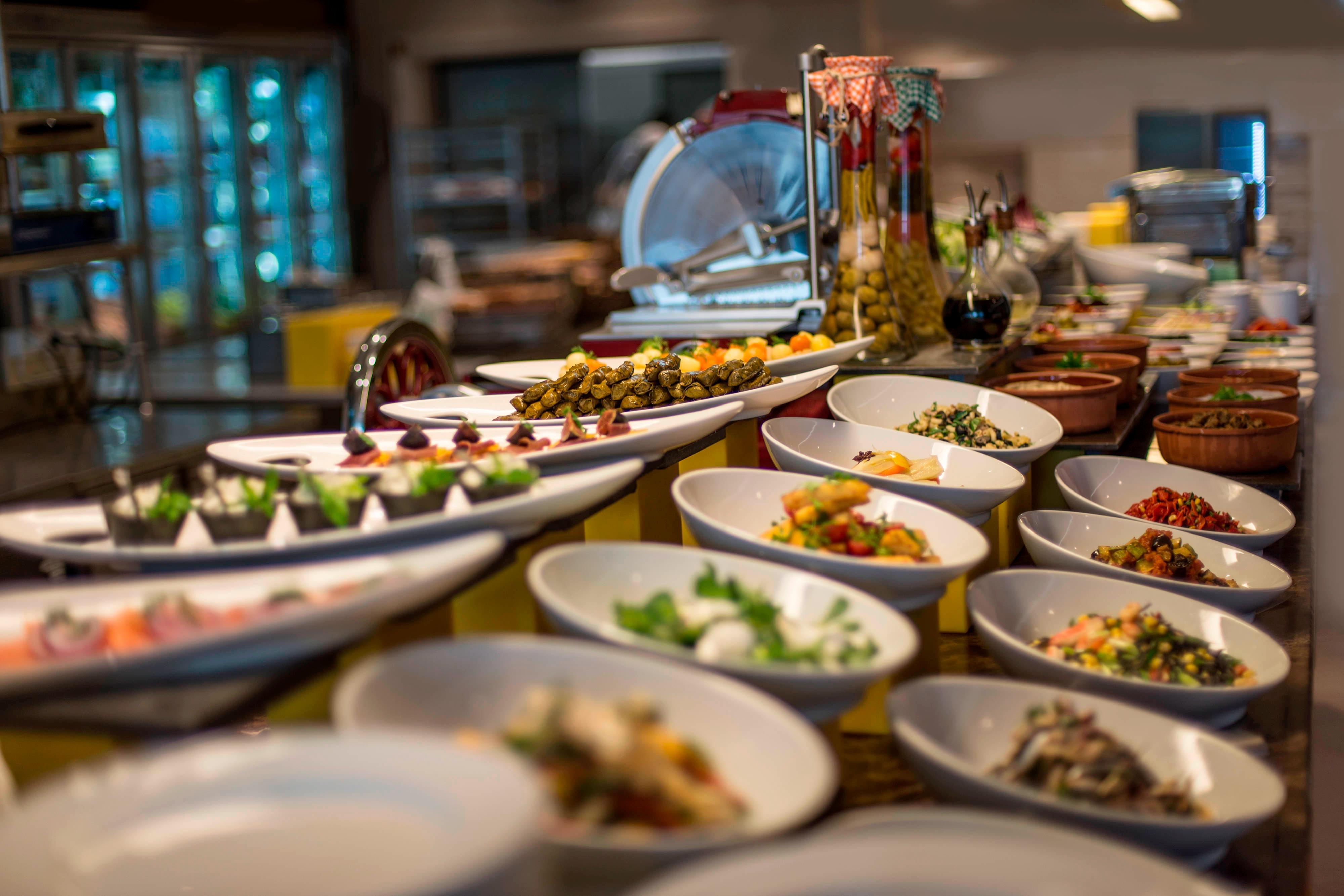 Fires & Flavors Restaurant - Open Buffet