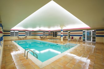 Evansville Hotel With Pool