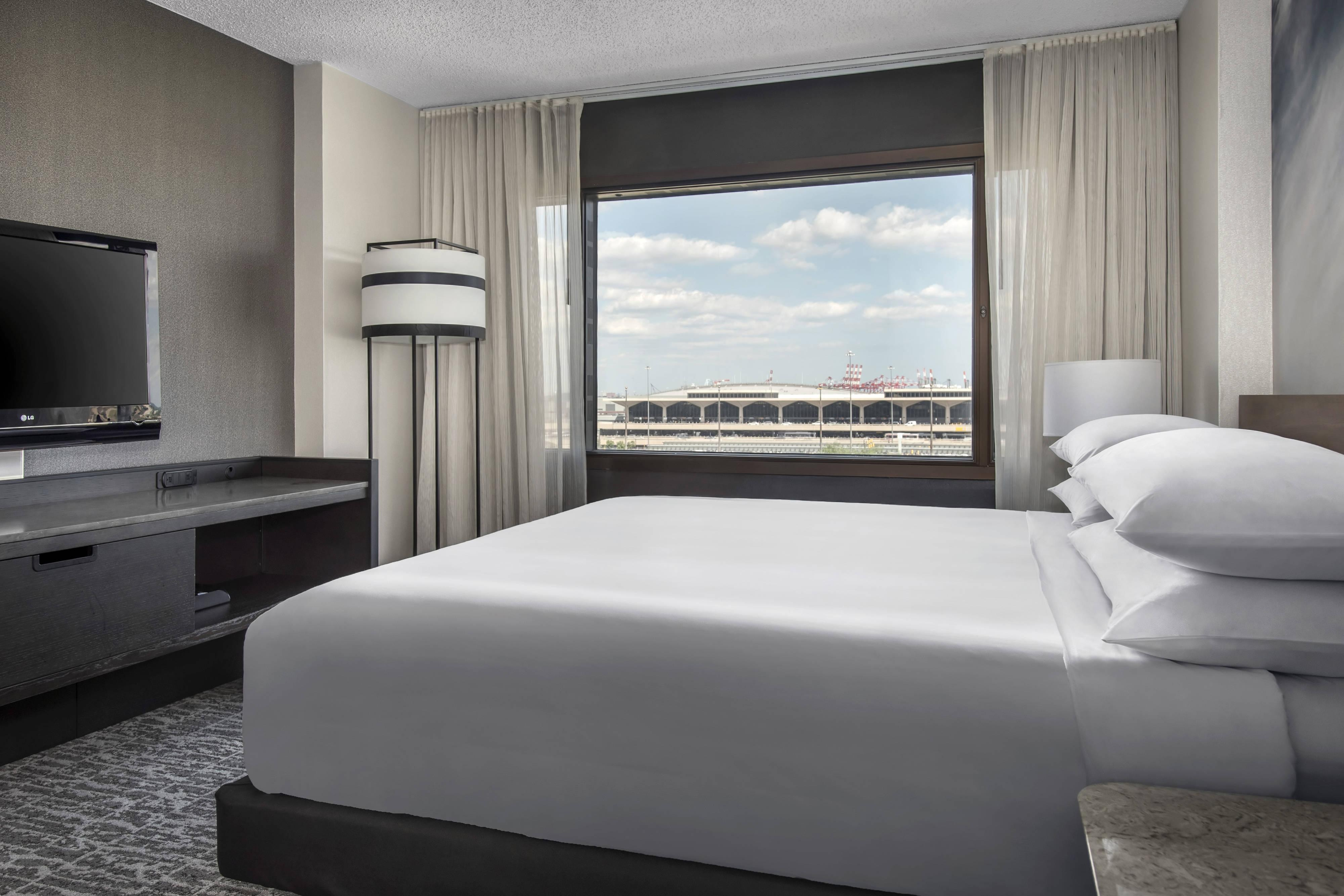 King room Newark airport view